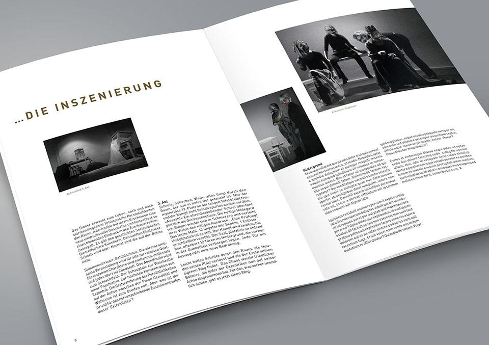 Magazin Innenseite der Inszenierung 'Xtreme: Zwischen Genie und Wahnsinn'